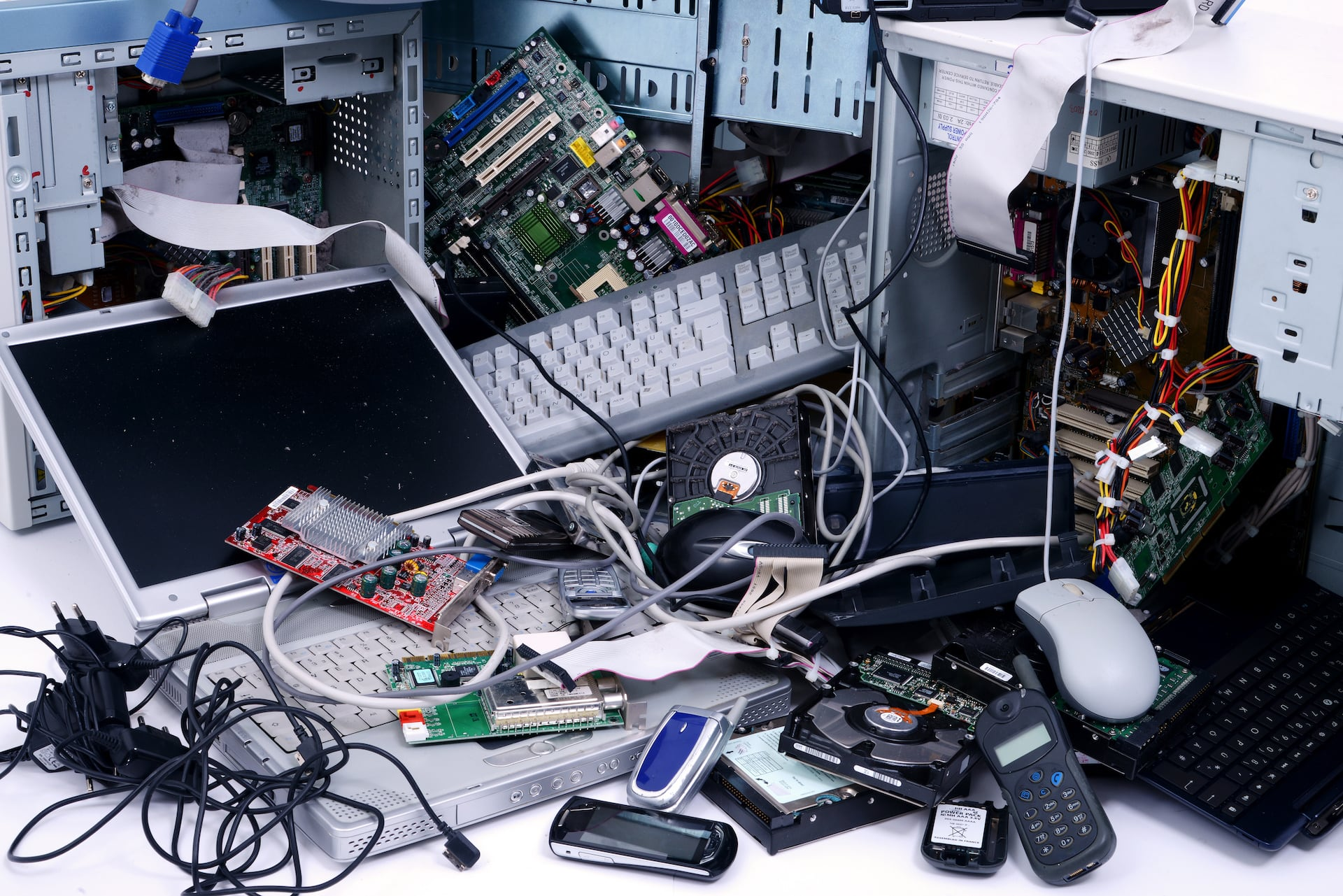 E-waste disposal for used electronic devices